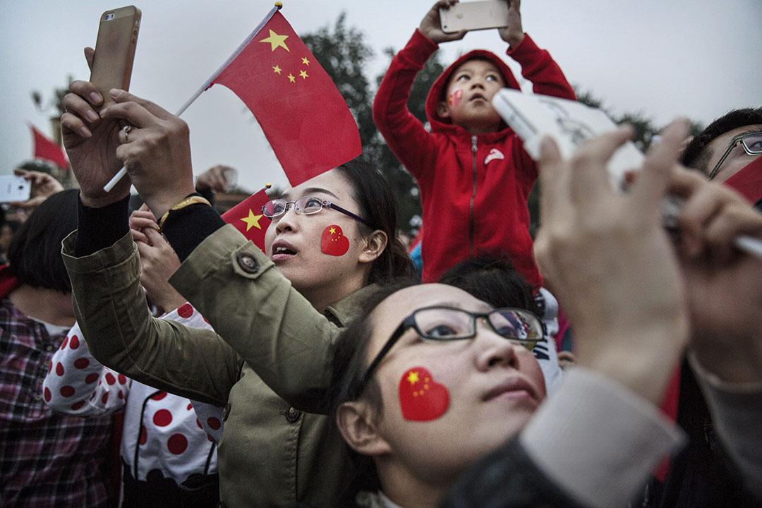 """在普遍民族主義歷史的渲染下,中國的普羅大衆都急切期待着中國""""大國崛起""""的這一時刻的完成。"""