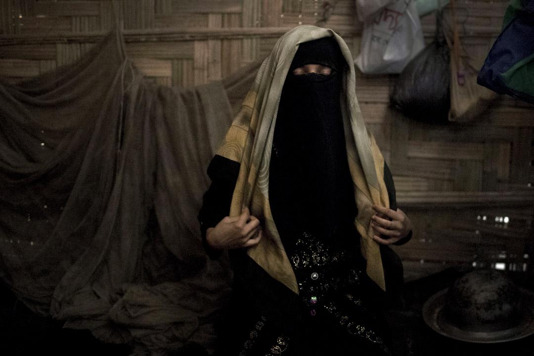 13歲羅興亞穆斯林女子「A」與她家人都住在Jamtoli難民營裏。