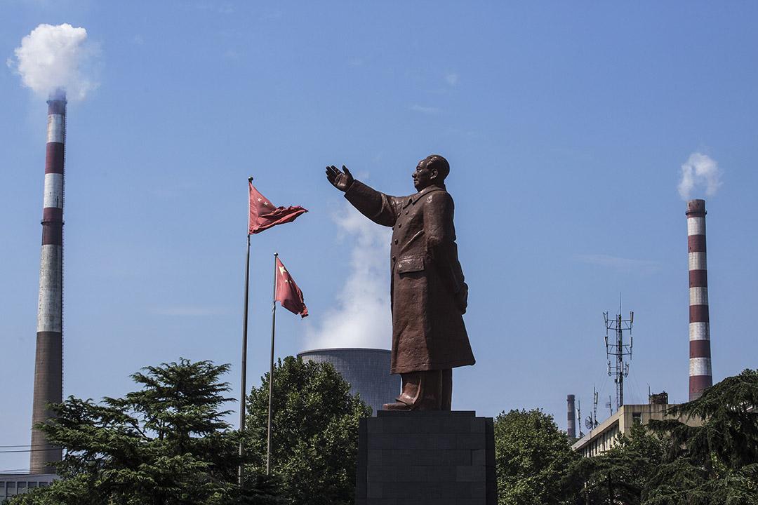 以前我對托派和毛派有過一些理論上和直觀上的認識,我認為最大的區別就在於毛派是國家主義的、領袖崇拜的(不管是毛左還是毛右),而托派則不容易這樣。