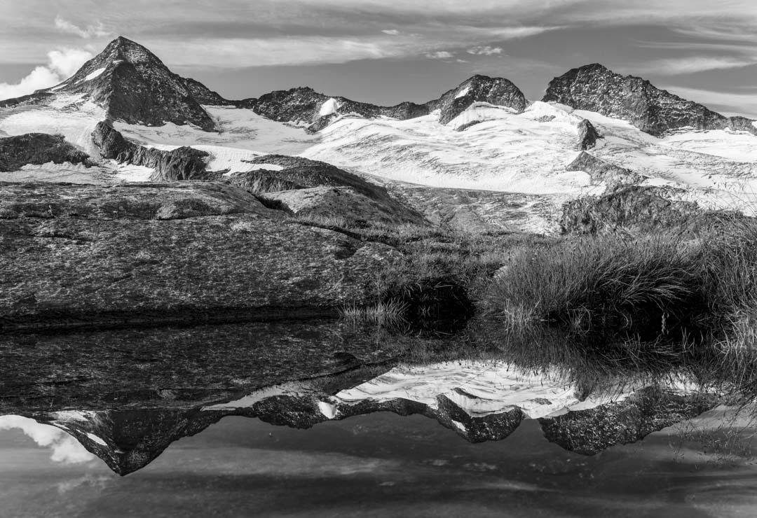 兩人遇雪的區域,並非一般人印象中的喜瑪拉雅山營地,而是藍塘國家公園旁的區域。