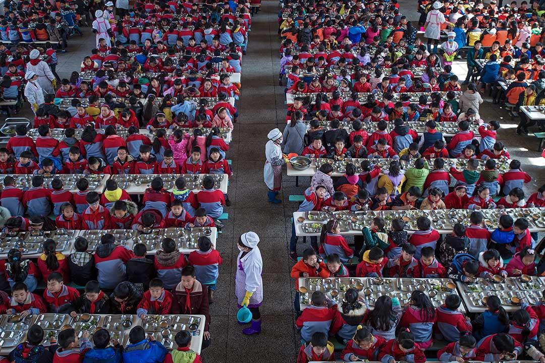 在市政府消除公立學校「大班額」—— 改善因班級學生數量過多而影響教學質量——的方案下,他們的孩子被迫從公立學校「分流」到其他學校。圖為中國武漢市的一所小學。