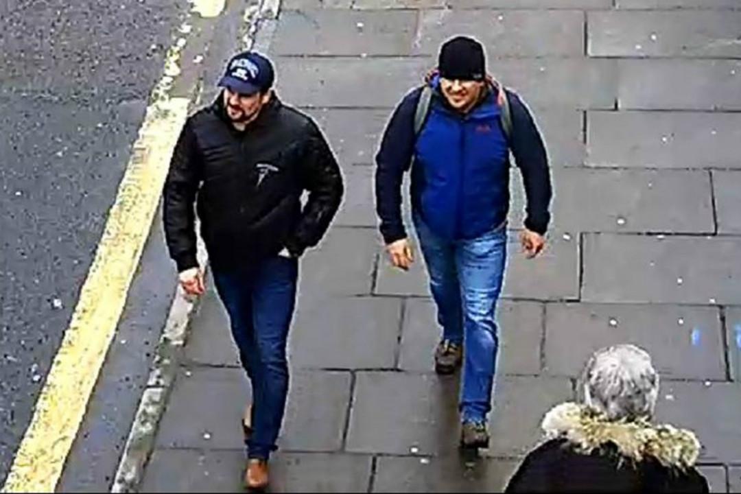 2018年9月5日,英國檢方就神經毒劑襲擊案,對兩名俄羅斯公民彼得羅夫(Alexander Petrov)和博什羅夫(Ruslan Boshirov)提起公訴。 攝:Metropolitan Police/Getty Images
