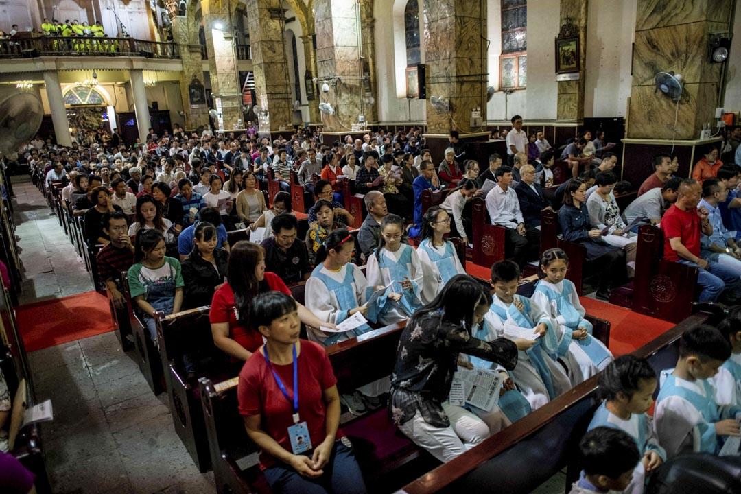 基督宗教在中國已經紮根。我相信,無論中梵關係如何發展,都不會阻擋基督徒人數的繼續增長,因為社會文化條件使然。文革禁教滅教十多年,天主教徒人數沒有減少。