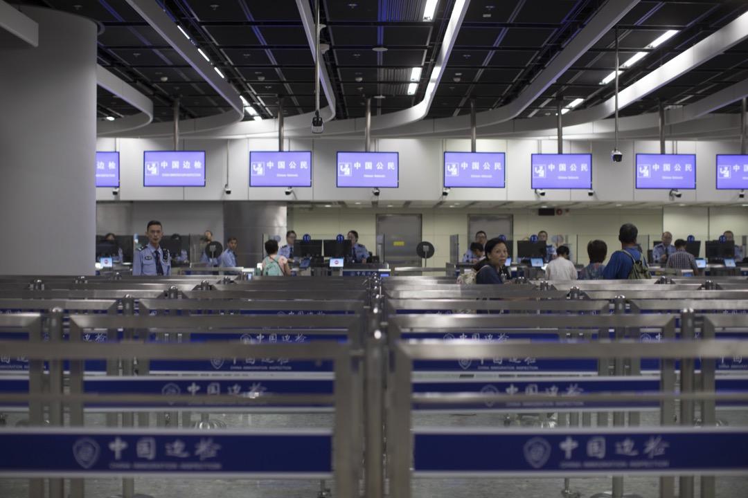 香港西九龍高鐵站,內地口岸區內的中國邊防檢查設施。