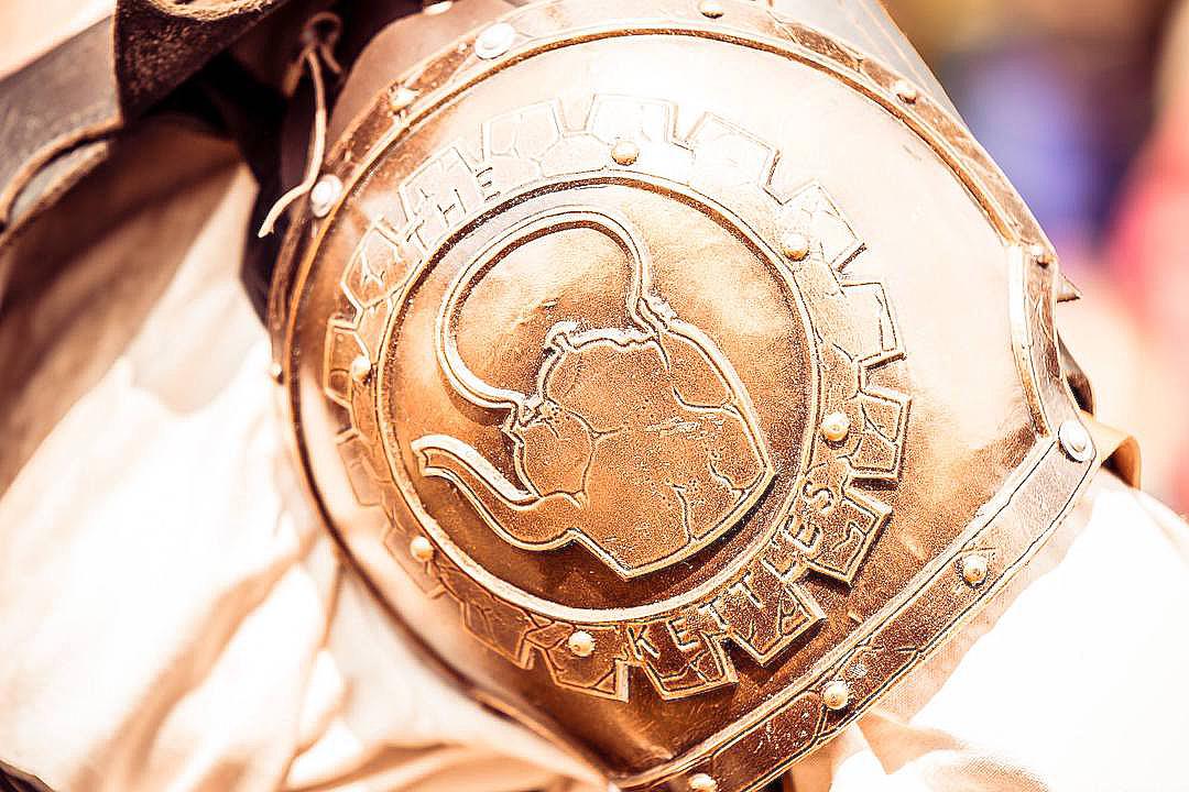 水壺幫徽章。