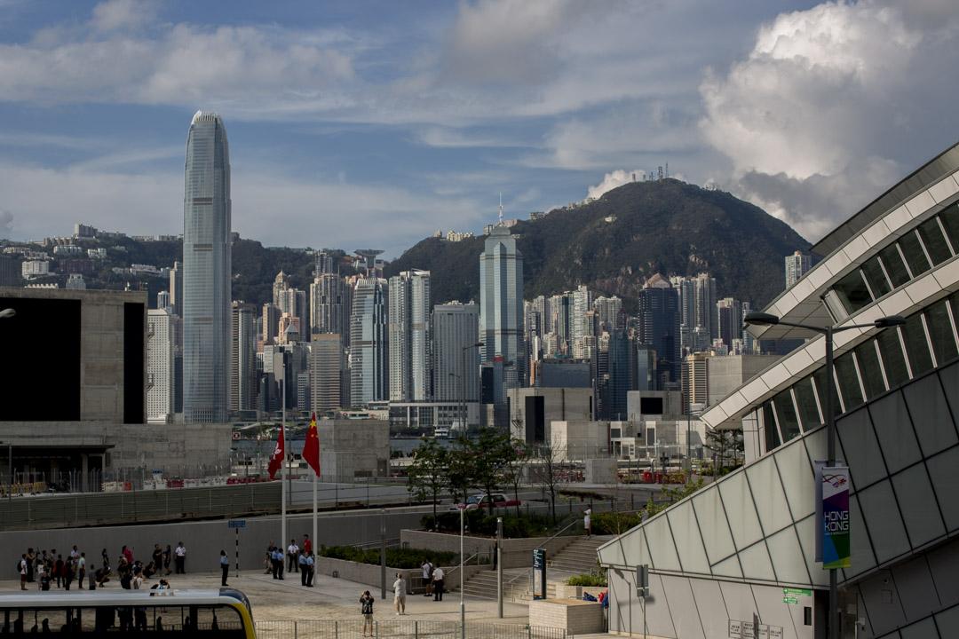 2018年9月23日早上八時,香港西九龍高鐵站舉行升旗儀式。