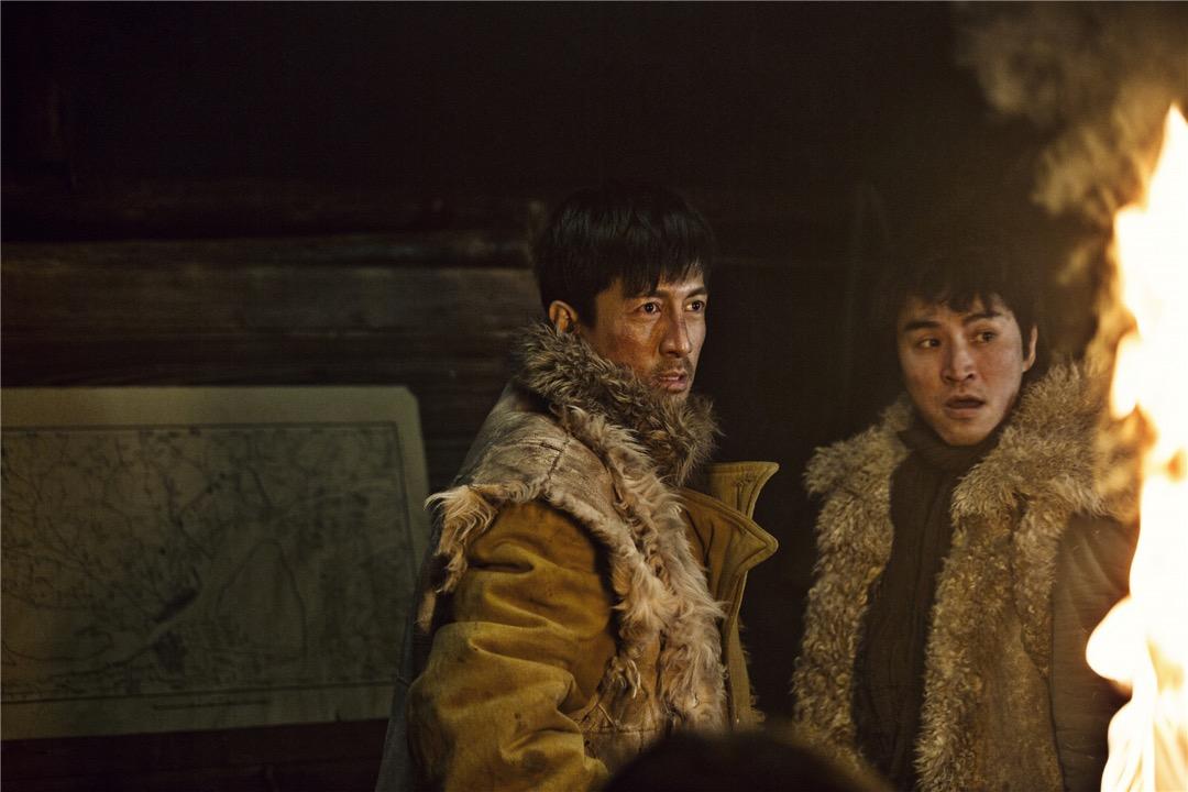 大陸電視劇《愛國者》編劇汪海林稱,「小鮮肉」不男不女威脅國家審美安全……中國娛樂界反對男性陰柔氣質的大型輿論場,正由自認陽剛的男性公眾人物撐起。圖為電視劇《愛國者》劇照。
