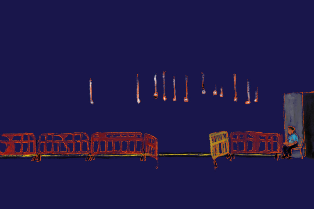 進入內地範圍前,地下一條黃色線,一邊寫「內地口岸線」,一邊寫「香港口岸線」,天花板垂了12枝CCTV影向黃色線,旁邊坐了一個60歲的尼泊爾人看更。