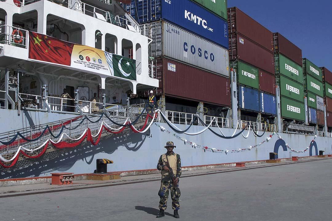 早在計劃提出以前,中國公司已經在其他國家建造基礎設施、提供貸款。像巴基斯坦瓜達爾港的建設在2002年就已經開始了,現在卻被說成是「一帶一路」的標誌性成就。圖為巴基斯坦瓜達爾港。