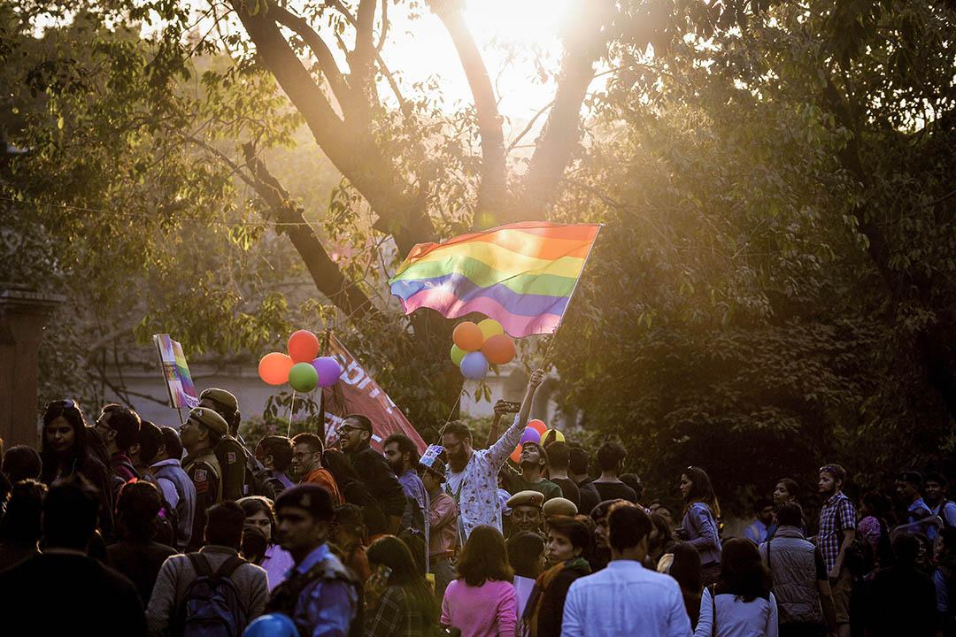 將不同身份的邊緣人聯合起來,算得上當代左翼知識分子夢寐以求的理想。圖為2016年11月27日印度新德里的同志遊行。
