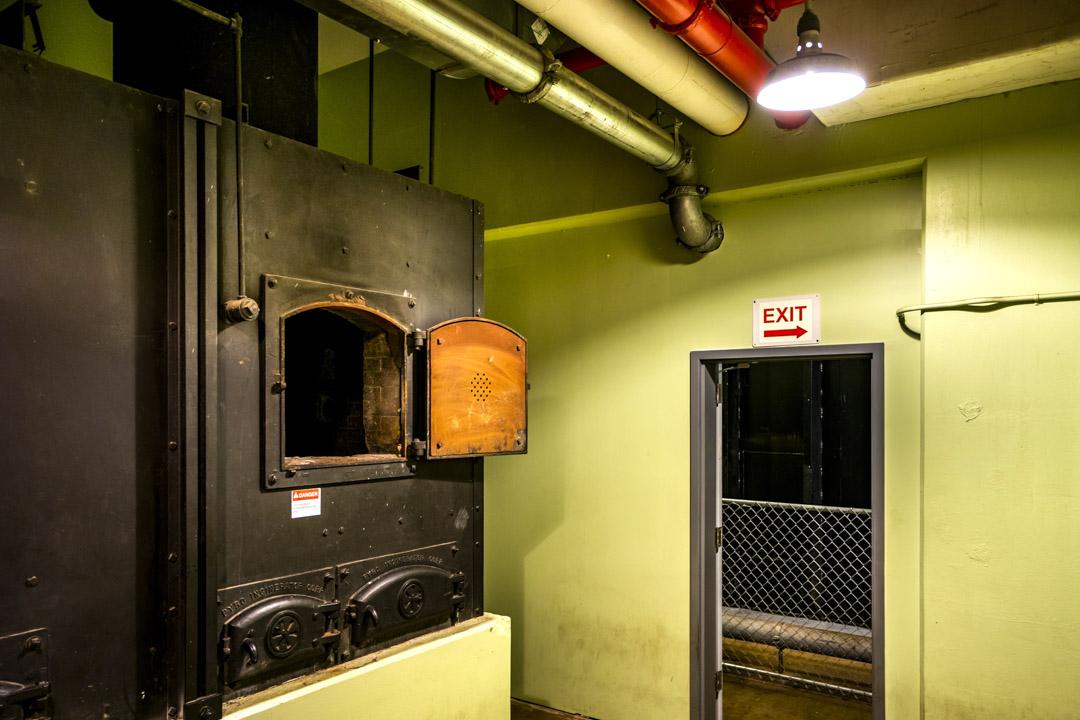 2018年6月1日,美國弗吉尼亞州白硫磺泉鎮,綠薔薇(Greenbrier)防空洞內的一個焚化爐,用於處理災難發生時不幸遇難的官員遺體。