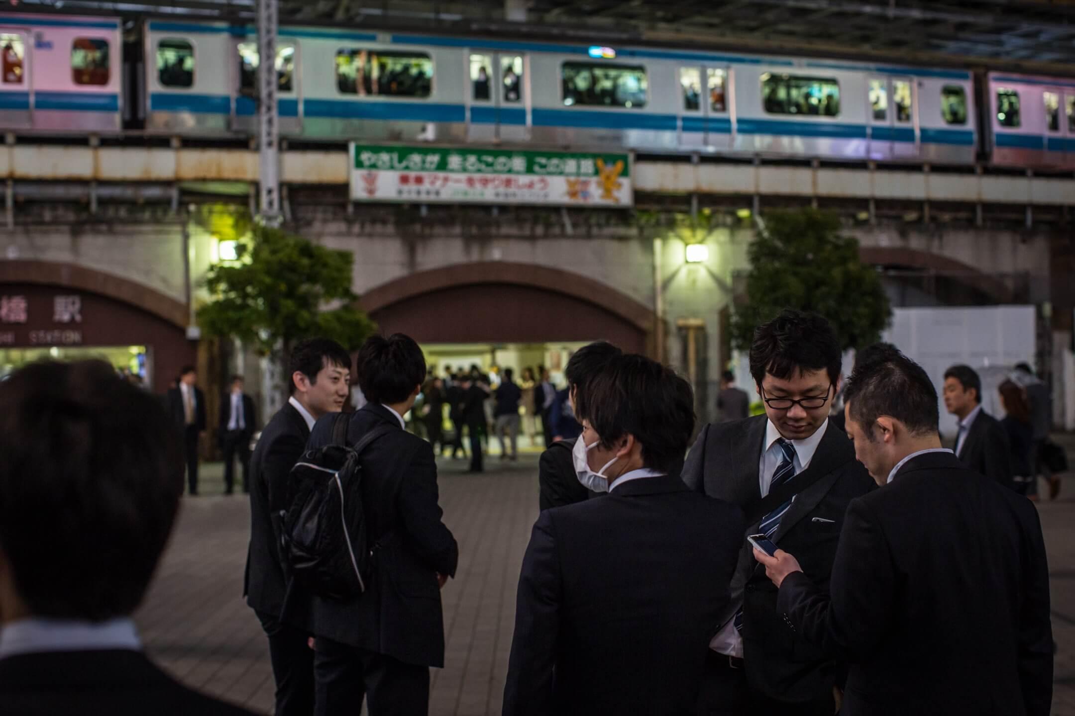 日本社會名之為「2018問題」,簡言之就是指自2018年開始,18歲的人口便一直下降,也即是說適齡的大學生人數會不斷減少。因此直接由此推算,不少私立大學均會面對收生不足的問題,而文部科學省直指往後即將出現大學界的淘汰年代,也絕不稀奇。 攝:Chris McGrath/Getty Images