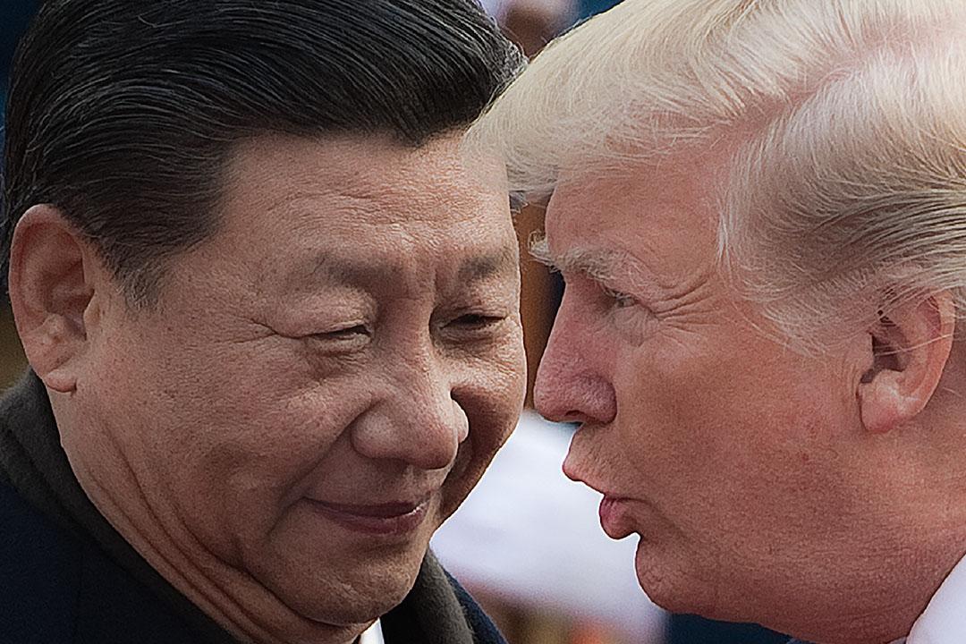 如無意外,美國將從9月24日起,對價值2000億美元的中國輸美商品徵收10%的關税,並在2019年1月1日將關税上調到25%。圖為2017年11月9日,中國國家主席習近平和美國總統特朗普於北京人民大會堂出席歡迎儀式。 攝:Nicolas Asfouri/AFP via Getty Images