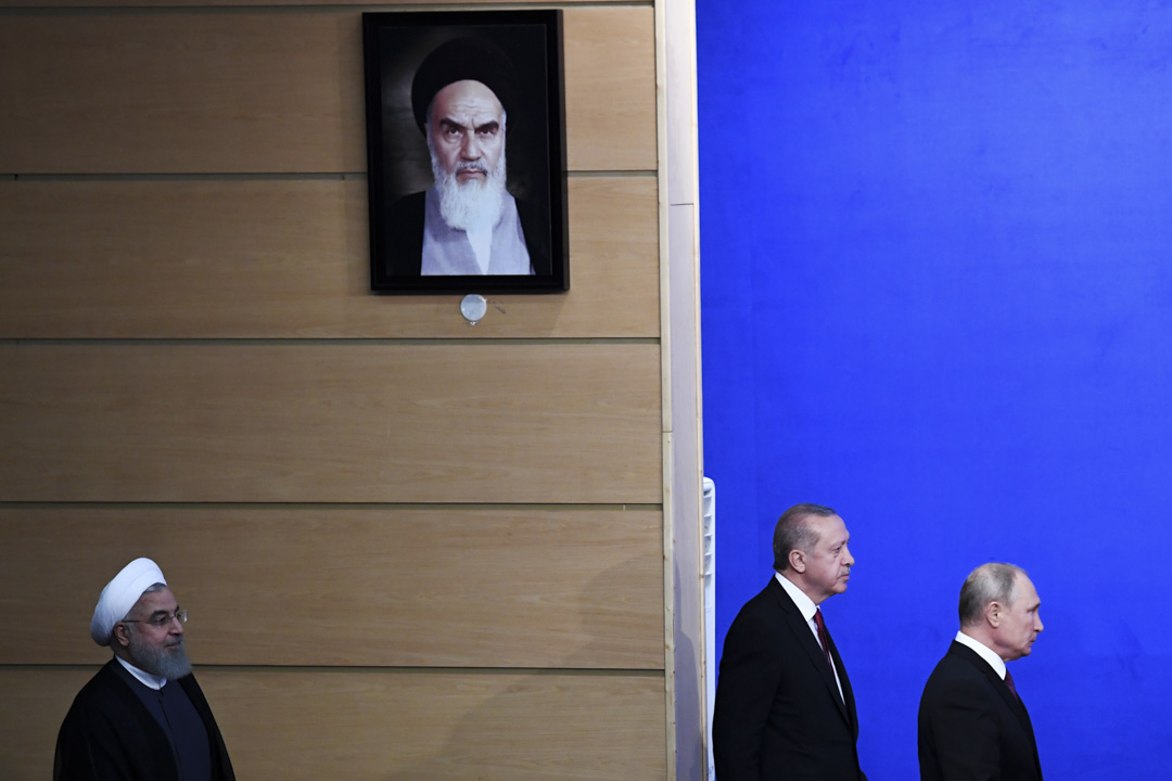 2018年9月7日,伊朗總統魯哈尼(左),土耳其總統埃爾多安(左)和俄羅斯總理普京在德黑蘭舉行舉行三國高峰會,以尋求結束敘利亞衝突。