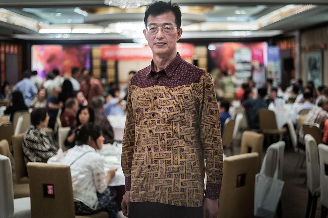 黃峻昇服務於外交體系將近30年,目前為駐印尼代表處組長。