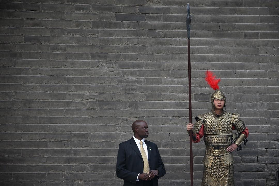 西邊的覺得在40年裏關係雖然總說不上好,而東邊那個覺得,在過去的一百多年裏自己明明是老師啊,可西邊那個「學生」卻總不肯認自己的這個「老師」⋯⋯ 攝:Feng Li/Getty Images