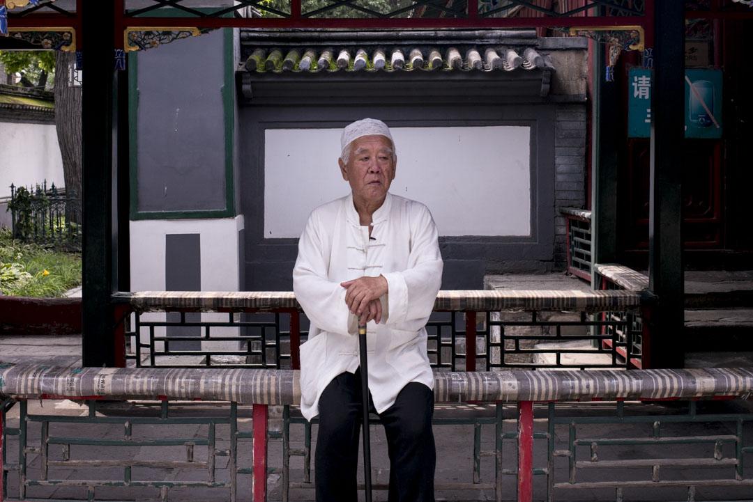洪光,75歲,牛街居民。