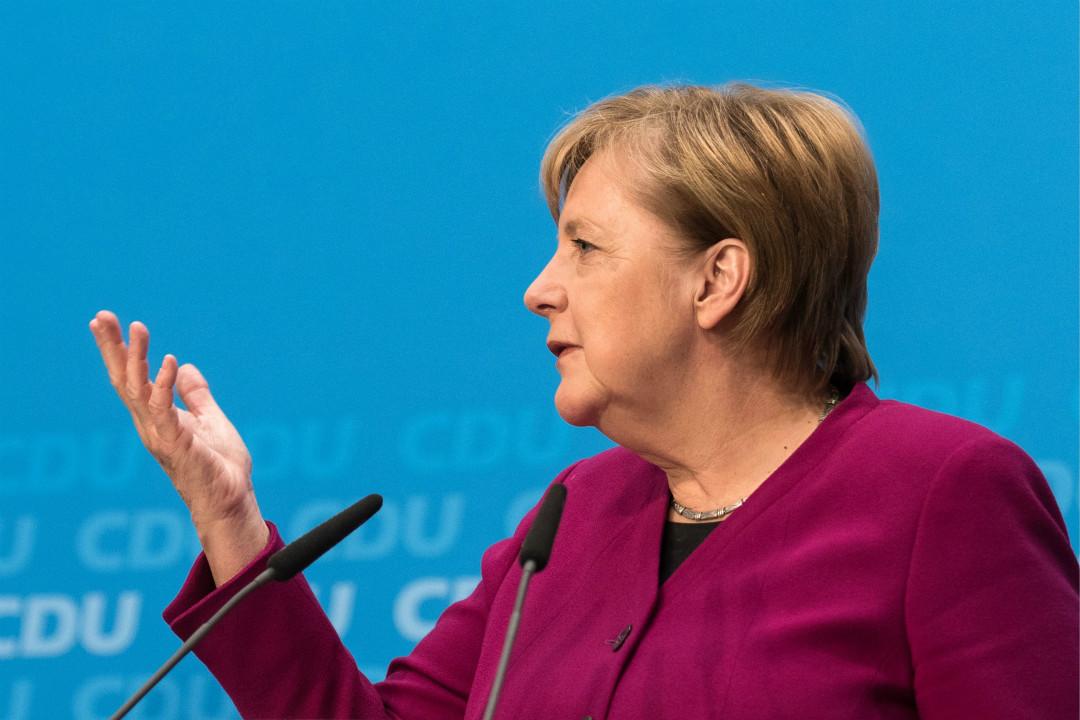 2018年10月29日,德國總理默克爾在柏林舉行記者會,宣布不再尋求連任基民盟(CDU)主席,2021年總理任期結束後亦不尋求連任。 攝:Markus Heine/Getty Images