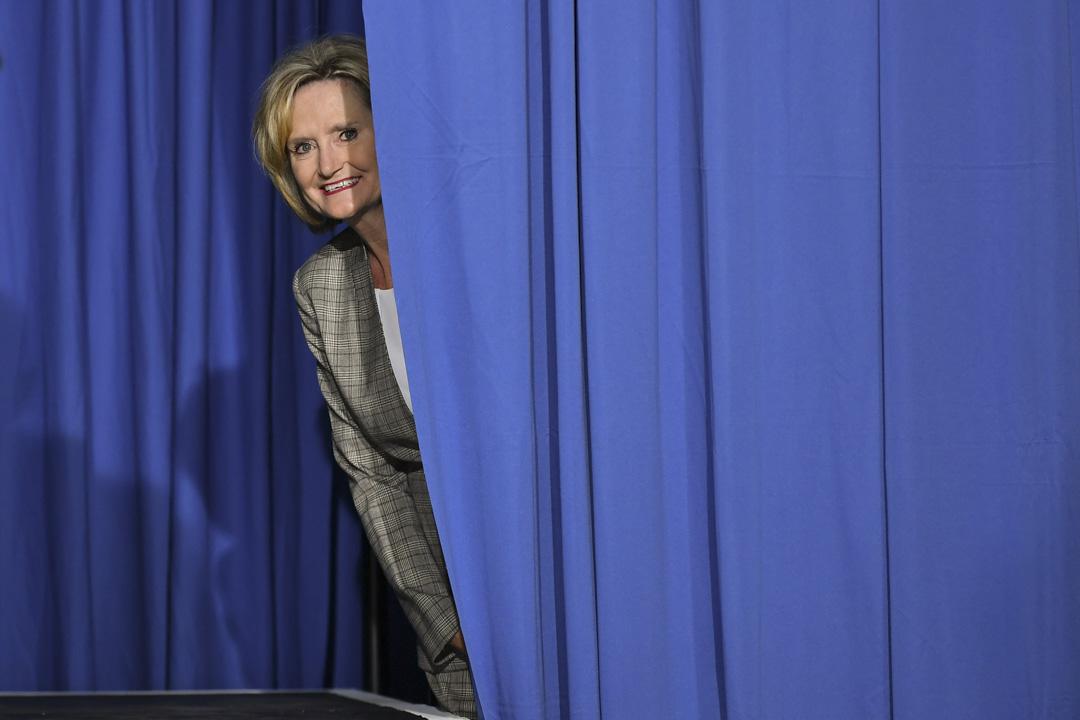 密西西比史上第一位女性參議員海德·史密斯(Cindy Hyde-Smith)必須擊退極右翼共和黨州參議員克里斯·丹尼爾(Chris Daniel)的挑戰,再與民主黨決一勝負。