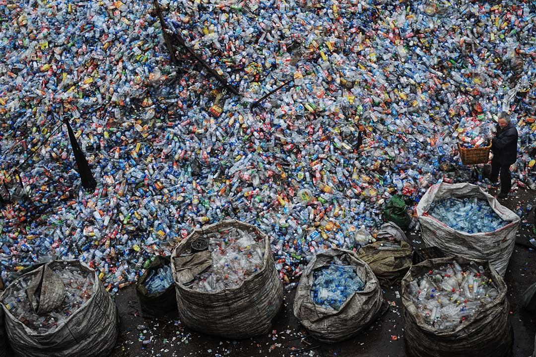 中國在過去十多年是全球主要的垃圾進口國,接收超過全球各國半數的「洋垃圾」,當中主要來源國包括美國、日本等先進國家。 攝:China Photos/Getty Images