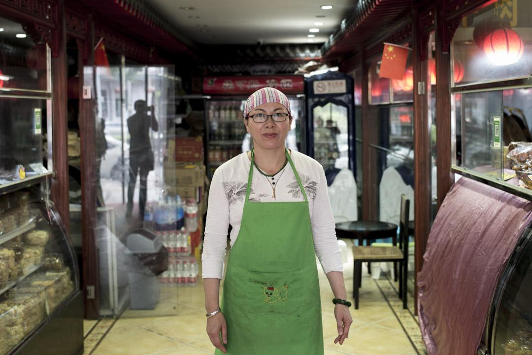 陳娟,45歲,來自寧夏,在牛街工作15年,如今主要製作、售賣清真小吃。