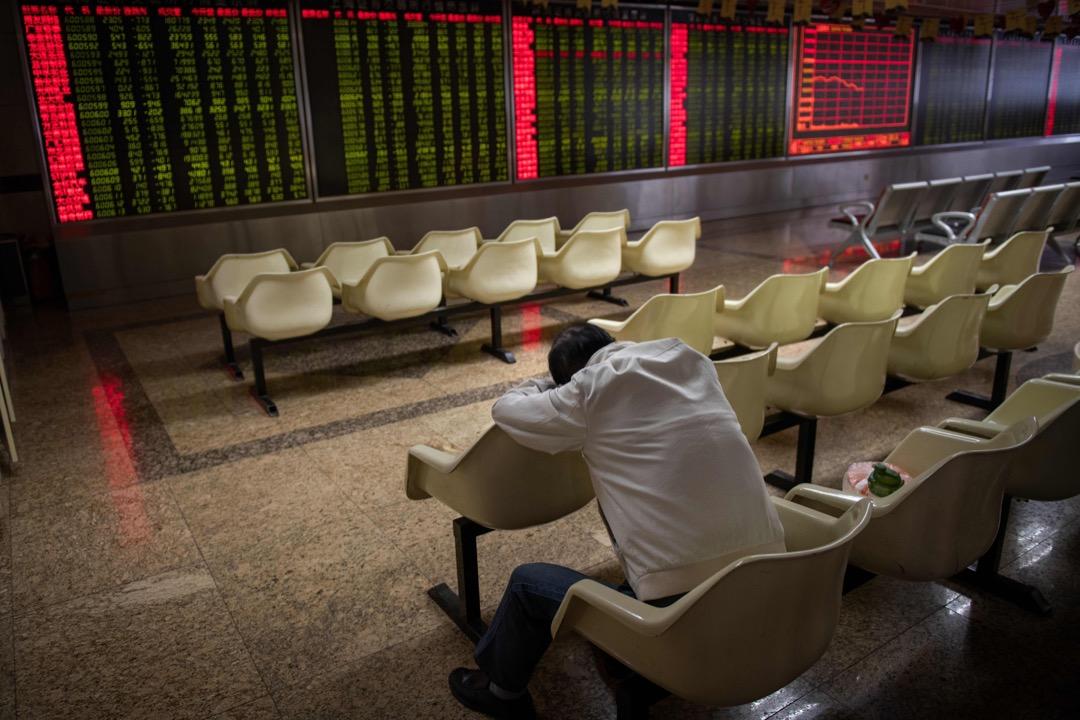 P2P平台大量爆雷,是2018年中國經濟轉折的代表性事件,是中國政府長期以政治思維主導、干預市場經濟下的正常能量釋放。
