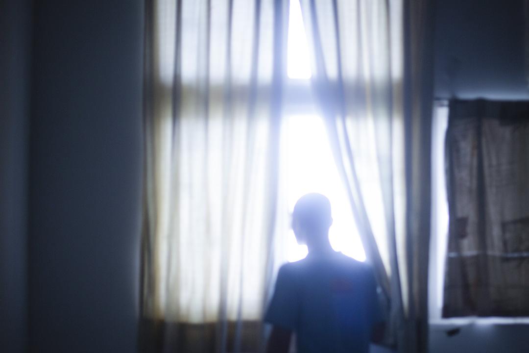 阿龍已經被關了3年。在這期間,他終於可以不用擔心家中生計,回頭想想自己。