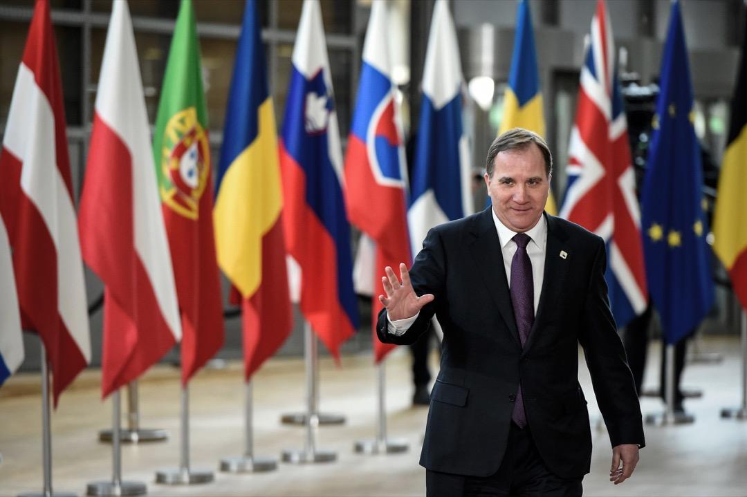 2018年3月,時任瑞典首相洛夫文於出席歐盟峰會。洛夫文所屬的瑞典社會民主工人黨在最近一次大選中落敗後,國會對他與內閣的不信任動議獲通過,在新任政府組成前,他仍代理首相職務。