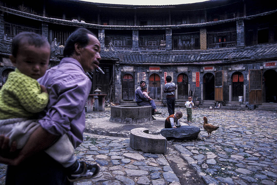 由於種種歷史、經濟與環境的因素,目前為止在台灣並沒有任何客家人曾在台灣建立土樓的相關紀錄與遺跡。