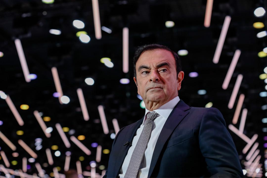 2018年10月2日,日產汽車(Nissan)董事長戈恩(Carlos Ghosn)在巴黎車展接受彭博電視台採訪。 攝: Marlene Awaad/Getty Images
