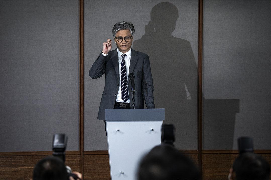 吳萼洋在台北市長候選人電視辯論後見傳媒。 攝:陳焯煇/端傳媒