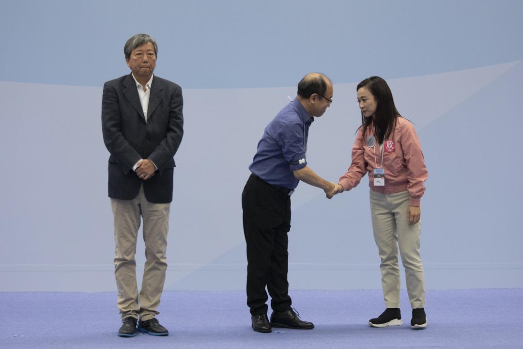 2018年11月26日,九龍西補選點票完成,陳凱欣獲得當中近5成選票(106457票)當選九龍西立法會議員,擊敗泛民主派李卓人(93047票)和馮檢基(12509票)。