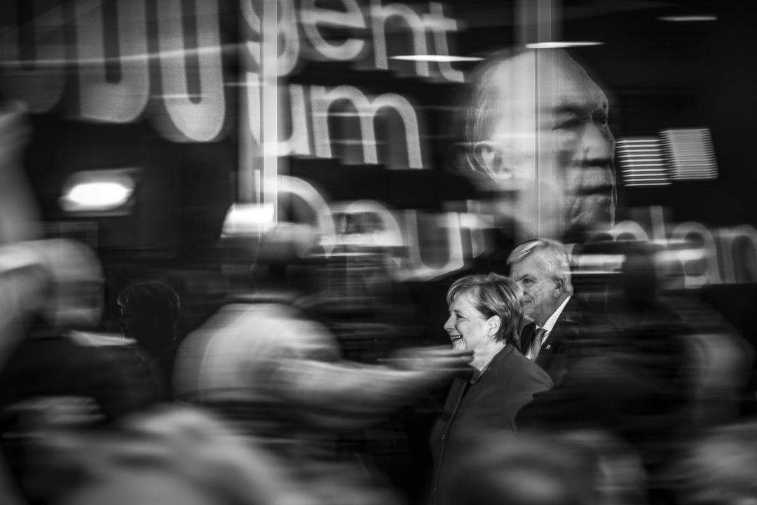 2018年10月29日,德國總理默克爾和德國黑森州州長博菲埃在柏林舉行記者會。 攝:Florian Gaertner/Photothek via Getty Images