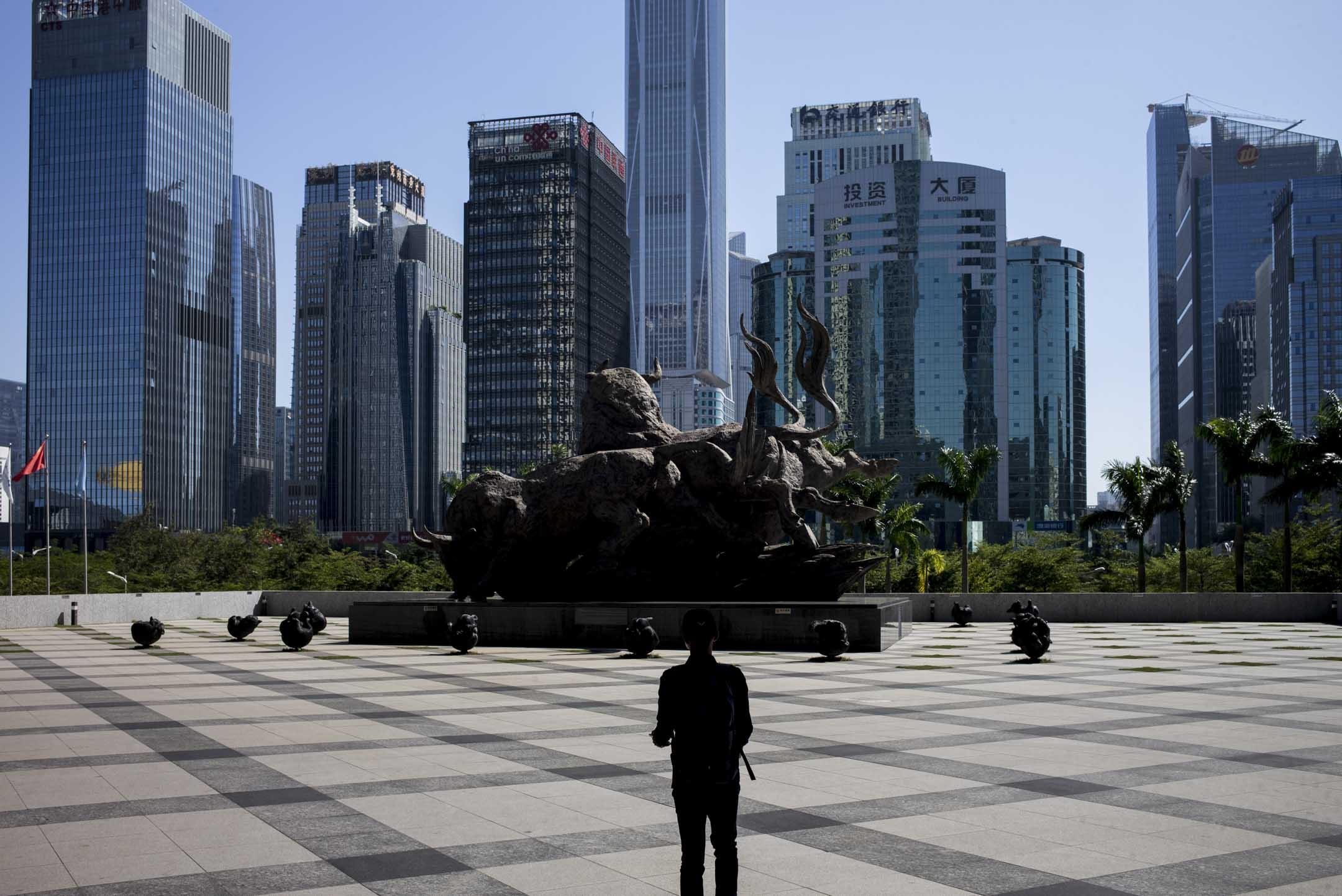 P2P平台大量爆雷,是2018年中國經濟轉折的代表性事件,是中國政府長期以政治思維主導、干預市場經濟下的「正常能量釋放」。 攝:林振東/端傳媒