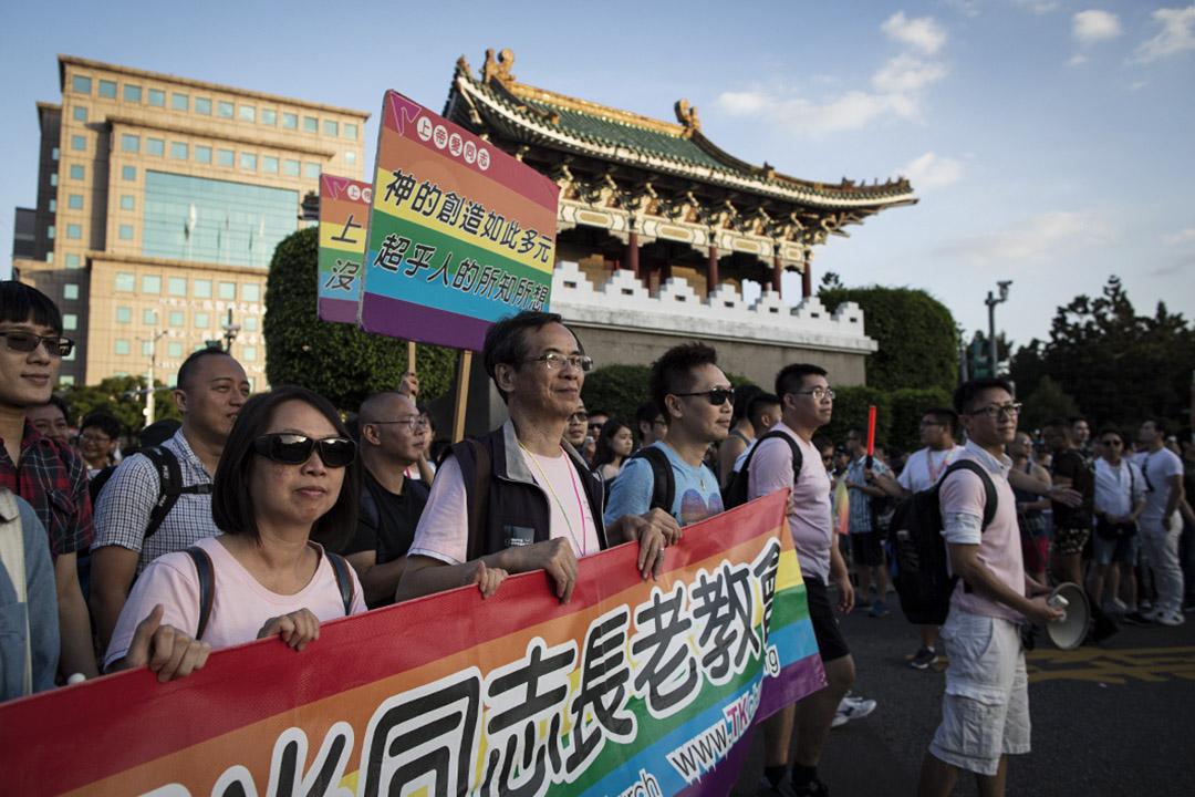 黃國堯牧師參加2018台北同志遊行。