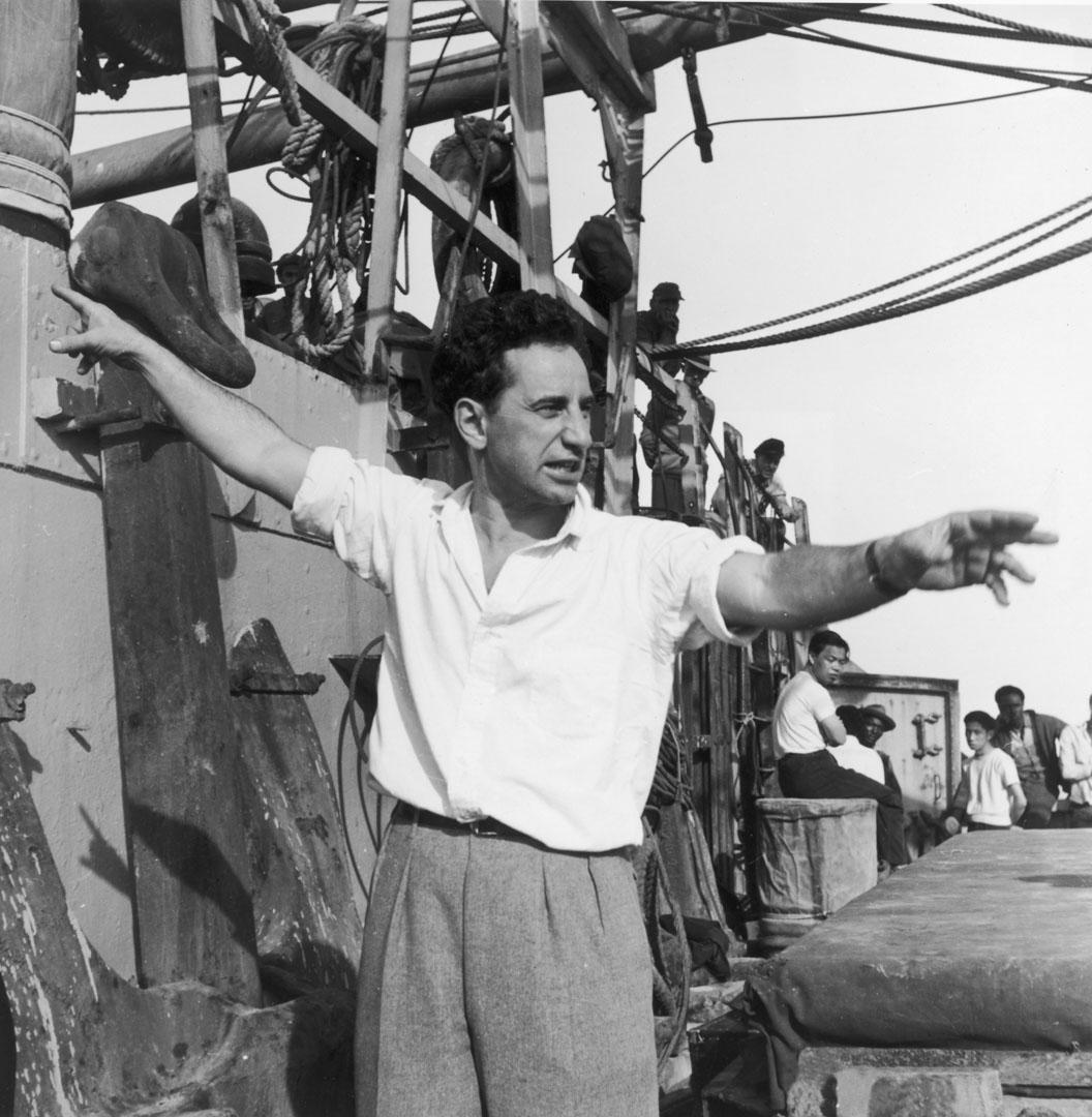 1950年的伊力卡山是那個年代好萊塢最偉大的導演,但讓他名聲毀於一旦的關鍵一刻同樣是1950年代的紅色獵巫行動。