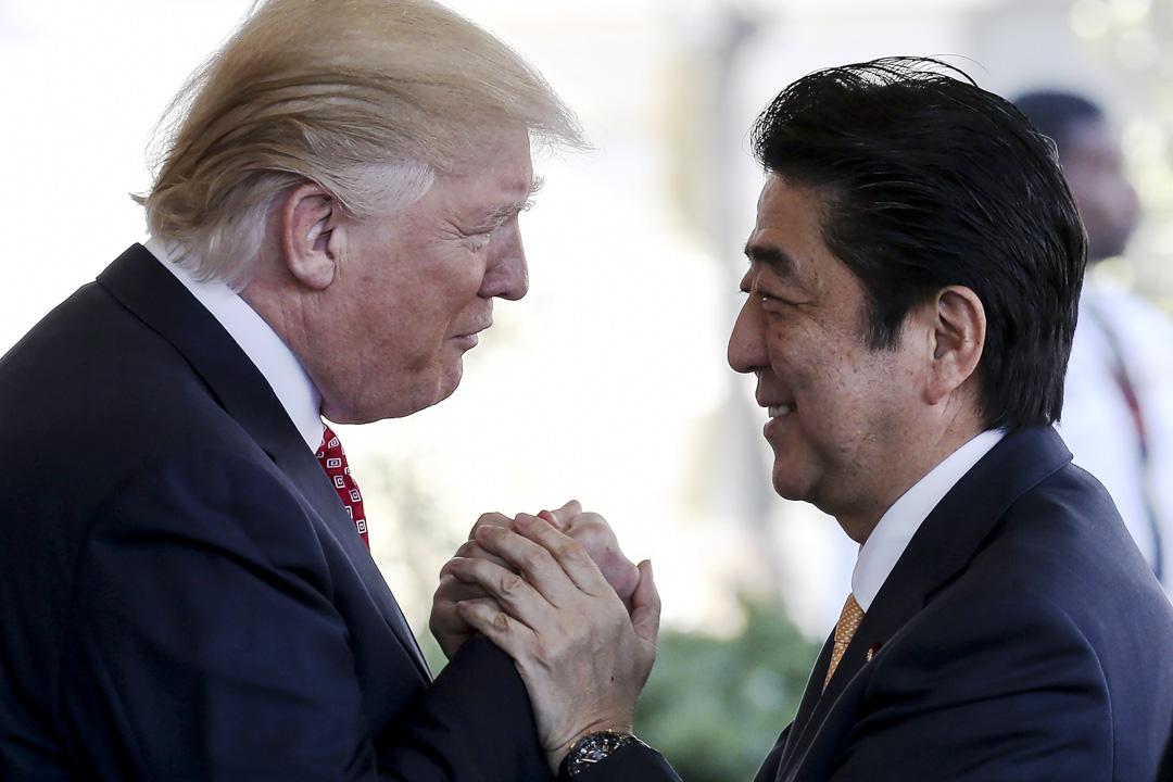美國對安倍重視美日同盟有足夠的信心,同時理解中日之間存在不可調和的矛盾,包括價值體系的不同、國力消長引發日本對自己地位的危機感等。
