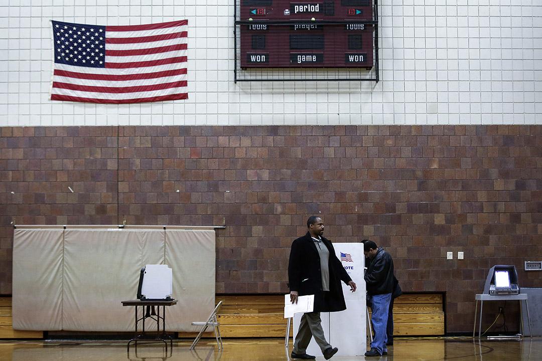 美國各大預測機構一致認為民主黨有高達八成的機率贏下眾院的控制權,這一樂觀的預估似乎也印證了民主黨選民一直炒作的 「藍色浪潮」 確已成型。  攝:Joshua Lott/Getty Images