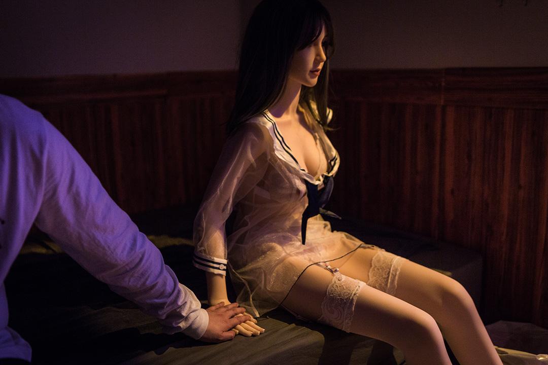 香港首家性愛娃娃體驗店營業兩月後被封。 攝:陳焯煇/端傳媒
