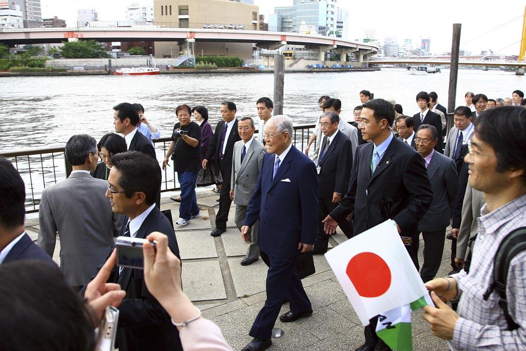 2007年5月,李登輝赴日本展開「學術交流及探訪『奧之細道』之旅」,其後並參訪靖國神社祭拜其亡故長兄李登欽。