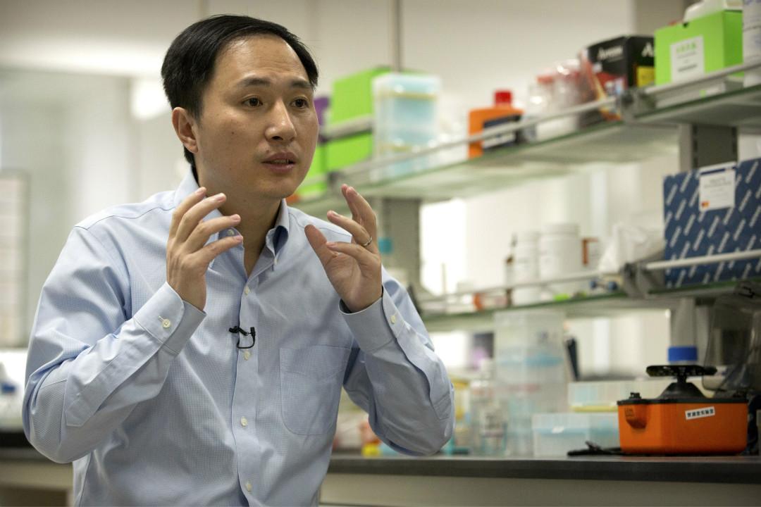 11月26日宣布實現「基因編輯嬰兒」的中國科學家賀建奎,於今年10月10日接受採訪。 攝:Imagine China
