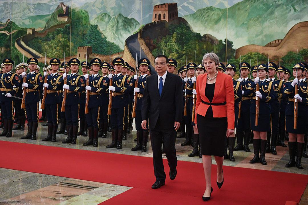 2018年1月31日,英國首相文翠珊與中國總理李克強在北京人民大會堂舉行的歡迎儀式上。