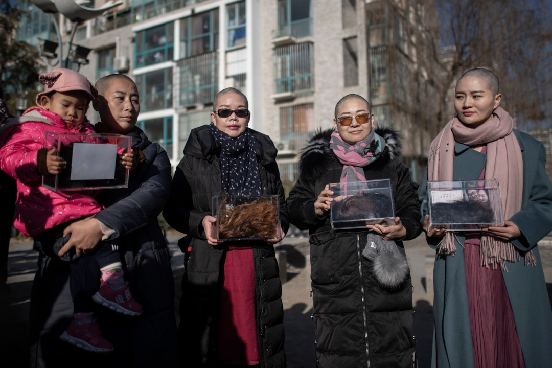 2018年12月7日,削髮抗議後的709家屬,李文足、王峭嶺、原姍姍和劉二敏。