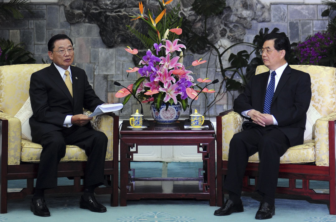 2008年6月13日,海基會董事長江丙坤在北京釣魚台國賓館會見中國國家主席胡錦濤。