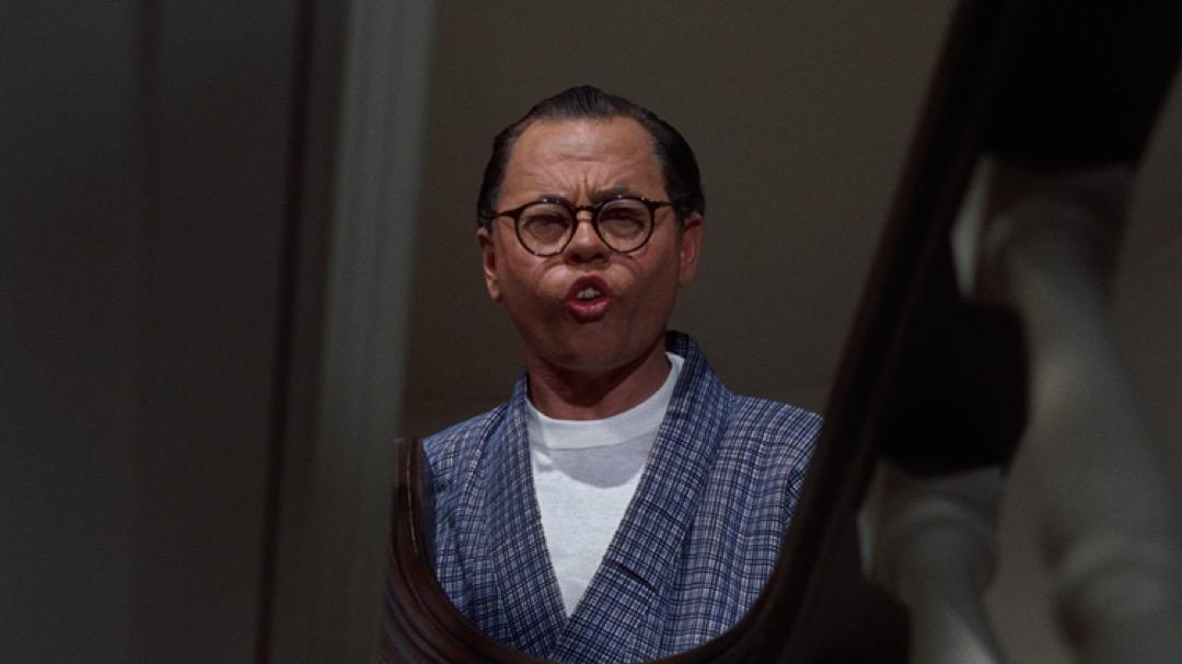 電影版《蒂凡尼的早餐》中唯一有台詞的亞裔角色,是一個由白人演員扮演的日本房東。電影中,他是一個十足的丑角,說着一口帶有濃重口音的英語,既暴躁又滑稽。