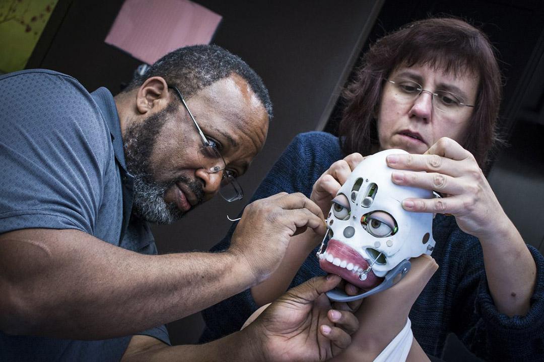 深淵並未止步於人體工學設計,它的另一個子公司「真機器人」( Realbotix)就是哈莫尼的研發者。