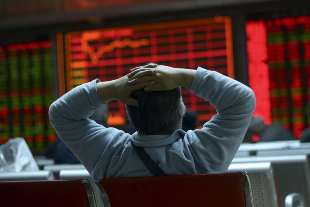 中國股市在2015年年中暴跌時,雲絡科技的融資希望也隨之破滅了。
