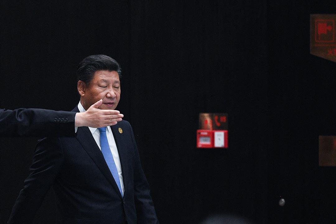 圍繞習近平的小圈子繼續得到加強,而且越來越明顯,只有向他個人的絕對效忠才能保證進入較核心的圈子,佔據北京高層的關鍵位置。