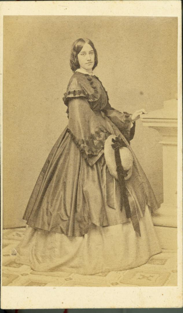年輕時的弗洛倫斯小姐。