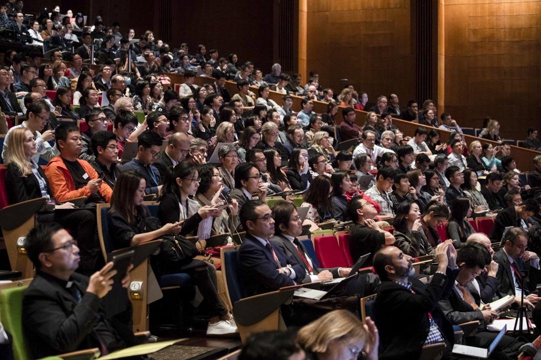 2018年11月28日,香港大學舉辦的基因編輯國際峰會的會場內。